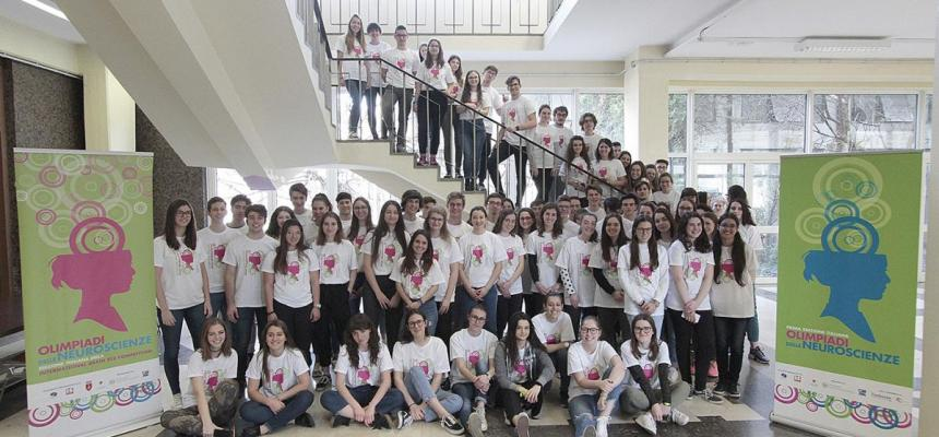 foto di gruppo olimpiadi neuroscienze