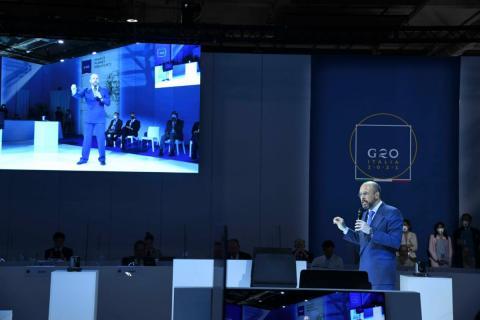 UniTs al G20 Scienza: prima mondiale di una comunicazione quantistica anti hacker tra 3 stati-g20 img-Un momento della dimostrazione