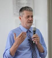 Il prof. Maurizio Viezzi