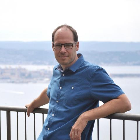 Prof. Pierre Thibault